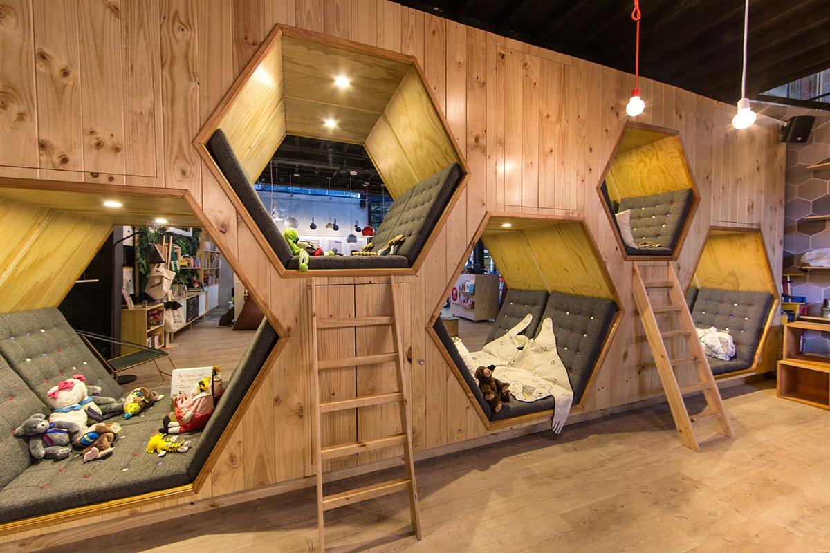9 ¾ 书吧与咖啡馆空间设计